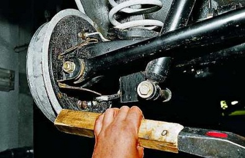 Замена тормозного барабана ВАЗ 2107