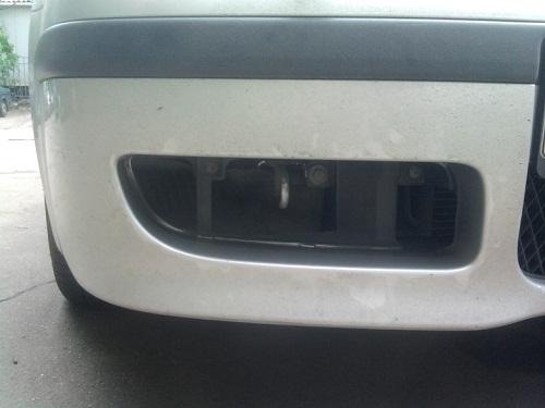 Передний бампер легкового авто