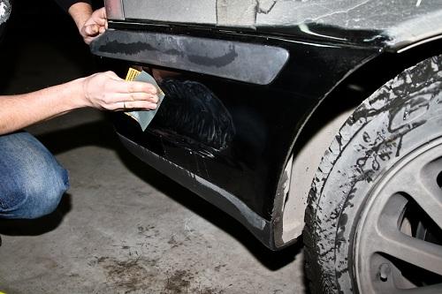 Чем обработать повреждение кузова